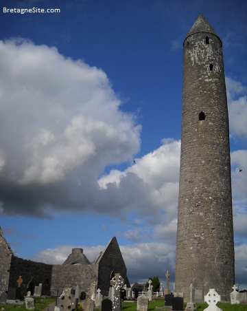 Kilmacduagh Abbey tower bretagnesite